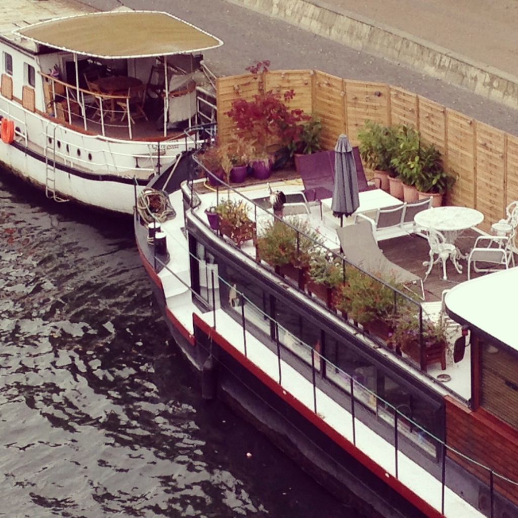 House boats on the Seine