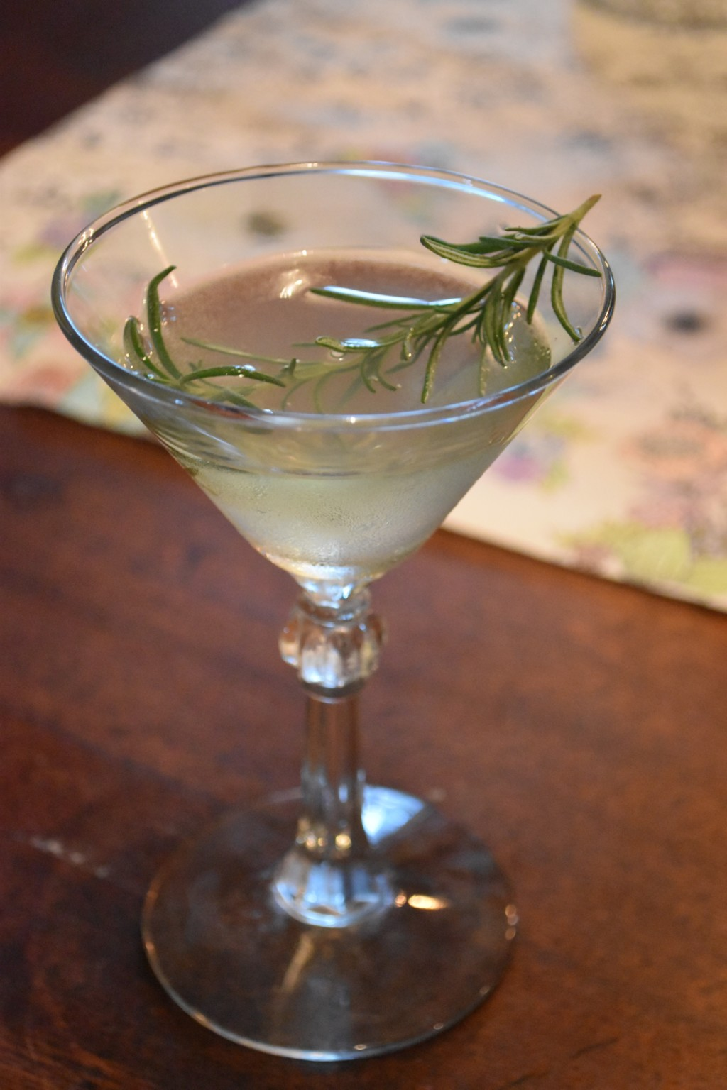 cocktail, tanquery, chartreuse, rosemary