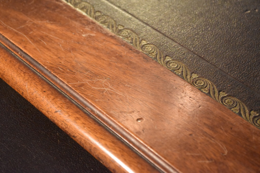 Even the edge of the surface of the desk has a bit of craftsmanship detailing.